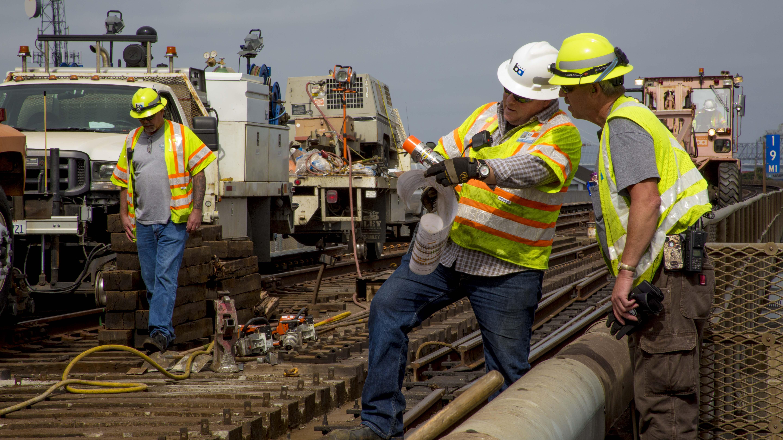 jobs gov track crew