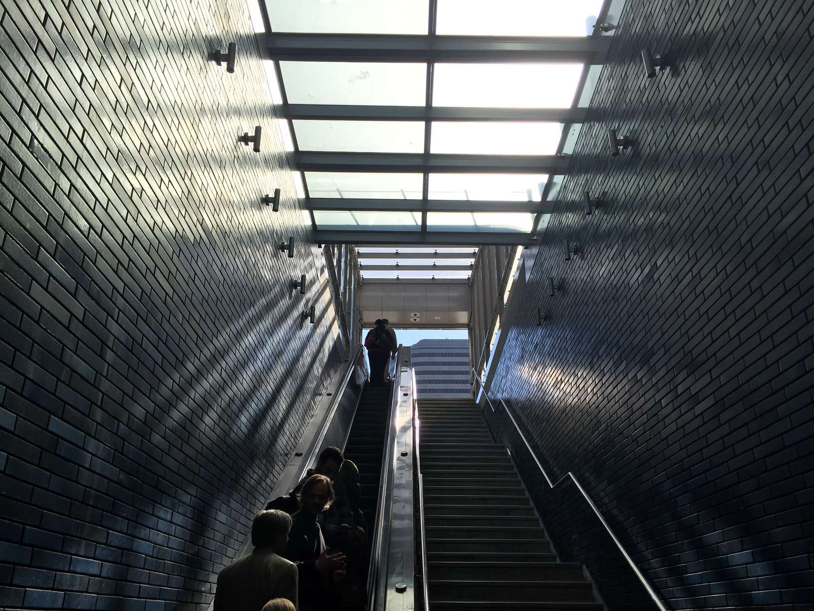 19th street escalator