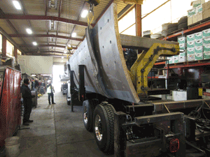 vehicle carries steel plate
