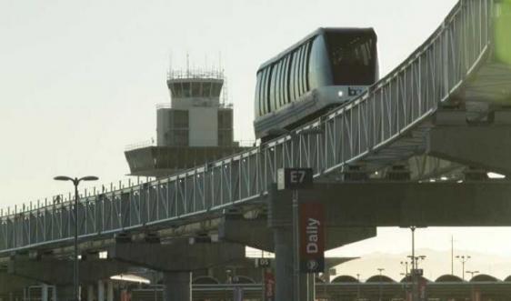 Oakland International Airport Station